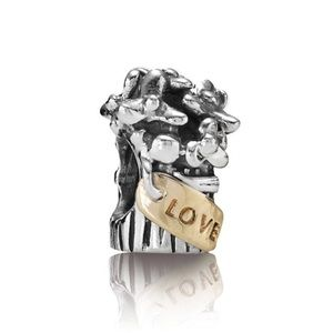 Pandora Retired Bouquet Of Flowers Charm